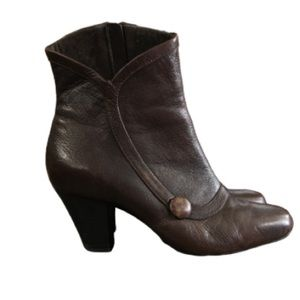 Clark's Leather heeled boots